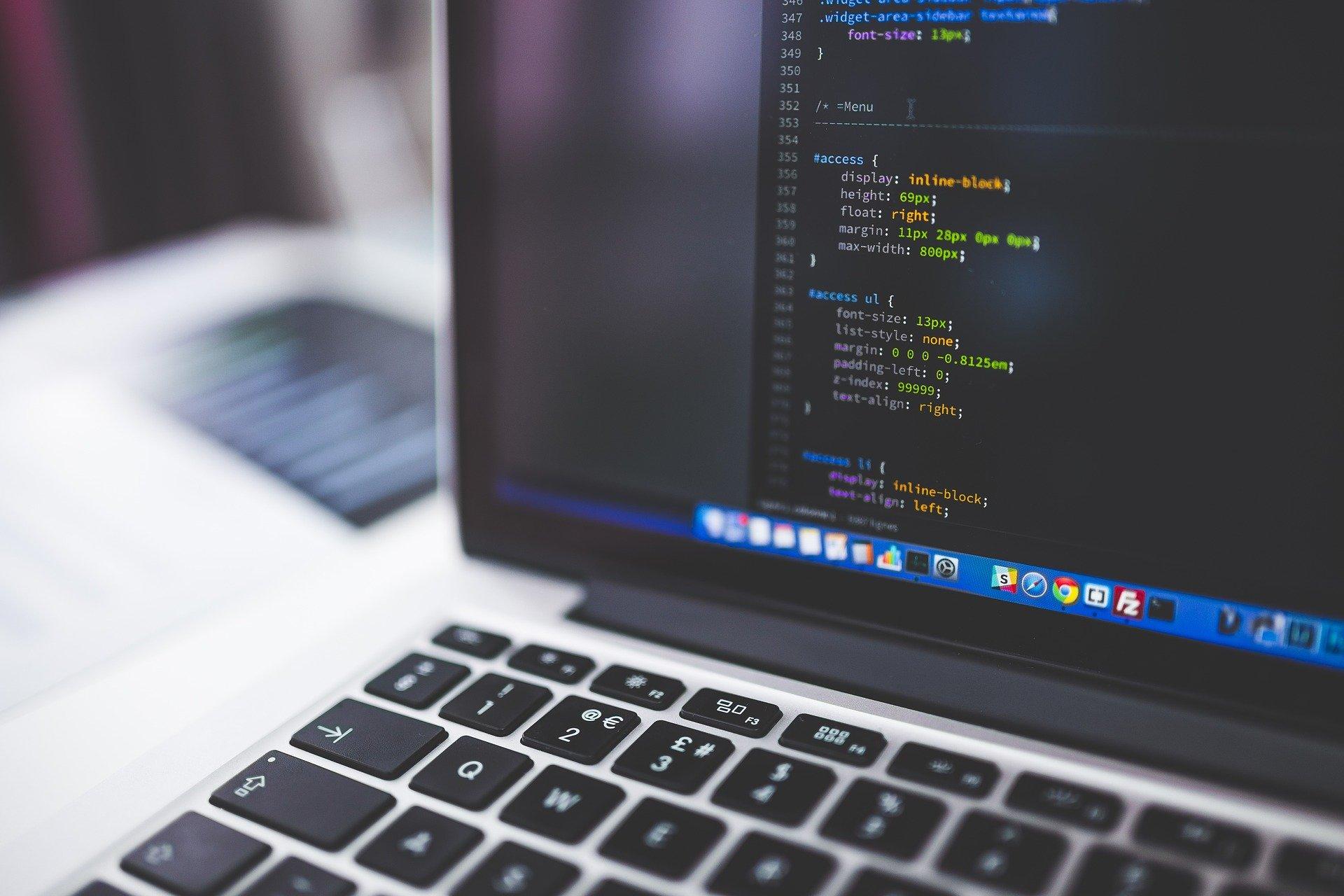 Jak powstaje strona internetowa dla firm